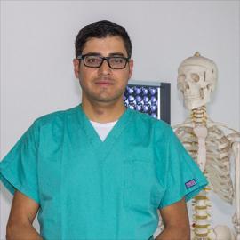 Dr. Chrystian  Xavier Mestanza  Valverde , Cirugía del Hombro y Codo