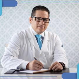 Dr. Juan  Carlos Aveiga Parra, Cirugía General y del Aparato Digestivo