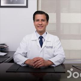 Dr. Carlos César Robles Chóez, Cirugía Ortopédica y Traumatológica