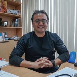 Dr. David Larreátegui, Medicina Interna