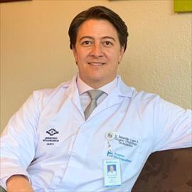 Dr. Pablo Sebastian  Lopez Suárez , Cirugía Oftalmológica