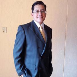 Dr. Christian Alexander Cueva Ponce, Urología