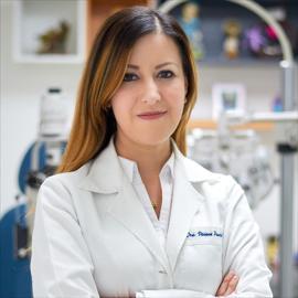 Dra. Viviana Pamela Viteri Terán, Oftalmología