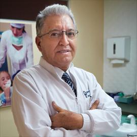 Dr. Milton Roberto Palma Vallejo, Odontología