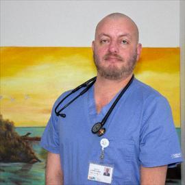 Dr. Hernán Quevedo, Medicina Interna