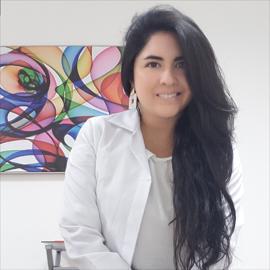 Dra. Daniela Altamirano, Odontología