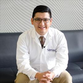 Dr. Francisco  Palacios, Cirugía General