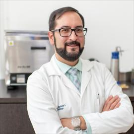 Dr. Christian Xavier Burbano Irigoyen, Dermatología