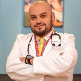 Dr. Gabriel  Contreras Piérola, Pediatría