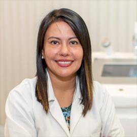 Dra. Fernanda Andrade, Dermatología