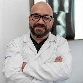 Dr. Gonzalo  Arteaga, Ortopedia y Traumatología