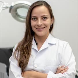 Dra. Paola Salazar, Dermatología