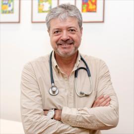 Dr. Ernesto  Quiñonez De La Torre, Neumología Pediátrica