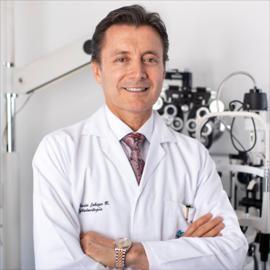 Dr. Xavier Cabezas, Oftalmología
