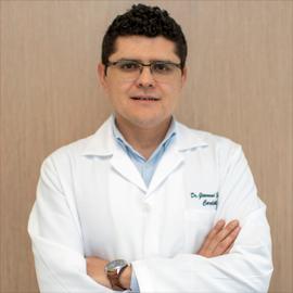Dr. Giovanni  Escorza Vélez, Cardiología Clínica