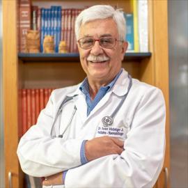 Dr. Iván Hidalgo, Pediatría