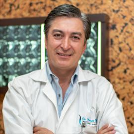 Dr. Marcelo  Ochoa Valarezo, Traumatología