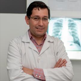 Dr. Iván  Paredes Salvador, Medicina Interna
