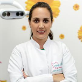Dra. Carolina  Gudiño Domínguez, Endodoncia