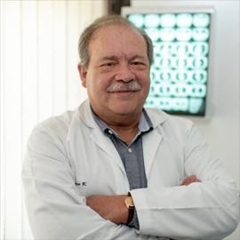 Dr. Eduardo  Larrea Martínez, Medicina Interna