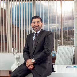 Dr. Pablo Salamea, Cirugía Plástica Estética y Reconstructiva