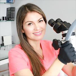 Dra. Raquel  Guillén Guillén, Endodoncia
