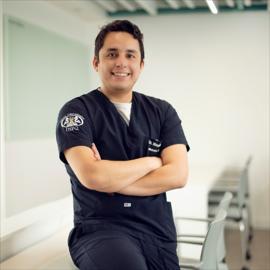 Dr. Mauricio Tinajero , Odontología