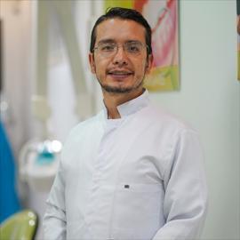 Dr. Paúl Rojas, Odontología