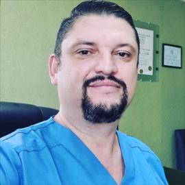 Dr. Byron Augusto Chacón Díaz, Ginecología y Obstetricia