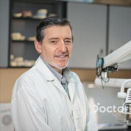 Dr. Rafael Antonio Vintimilla Acosta, Odontología
