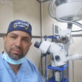 Dr. Carlos Augusto  González  Moreno, Oftalmología