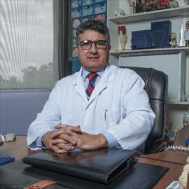 Dr. Ernesto Mantilla, Ortopedia y Traumatología
