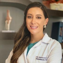 Dra. Gabriela Arévalo, Rehabilitación Física