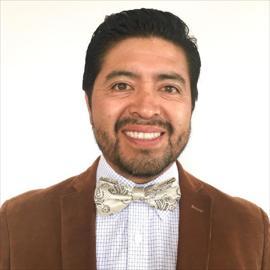 Dr. Julio Pazmiño, Ortopedia y Traumatología