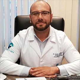 Dr. Andres Andrade, Coloproctología