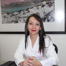 Dra. Mónica  Zambrano, Dermatología