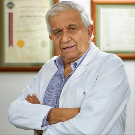 Dr. Jean Raad Antón, Medicina Intensiva