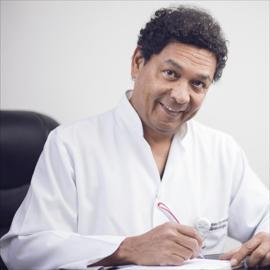 Dr. Alex Raul Escandón Wilson, Ginecología y obstetricia