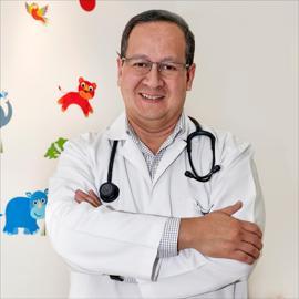 Dr. Fernando Montaño, Pediatría
