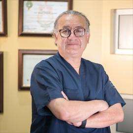 Dr. Manolo  Maestre Guzmán, Neumología y Cirugía de Tórax