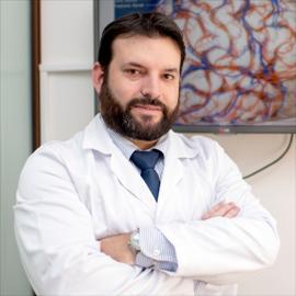 Dr. Byron  Salazar Maldonado, Neurocirugía