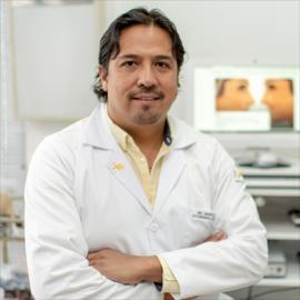 Dr. Marco Flores, Otorrinolaringología