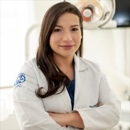 Dra. Estefanía Alexandra Rodríguez Merchan, Odontología