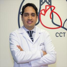 Dr. Oscar Andrés  Eskola Villacís, Cirugía Cardiotorácica
