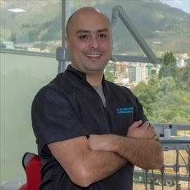 Dr. Juan Carlos Salvador  Garcés, Rehabilitación Oral