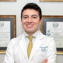 Dr. Juan Fernando  Arteaga Sarmiento, Coloproctología