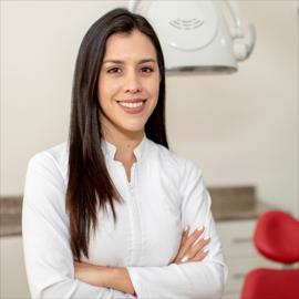 Dra. Verónica Vasquez, Estética Odontológica