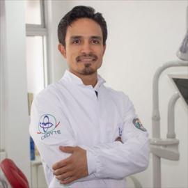 Dr. Diego Sigcho, Implantología