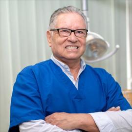 Dr. Guillermo  Galárraga Cabezas, Odontología
