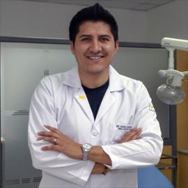 Dr. David Carrillo, Implantología